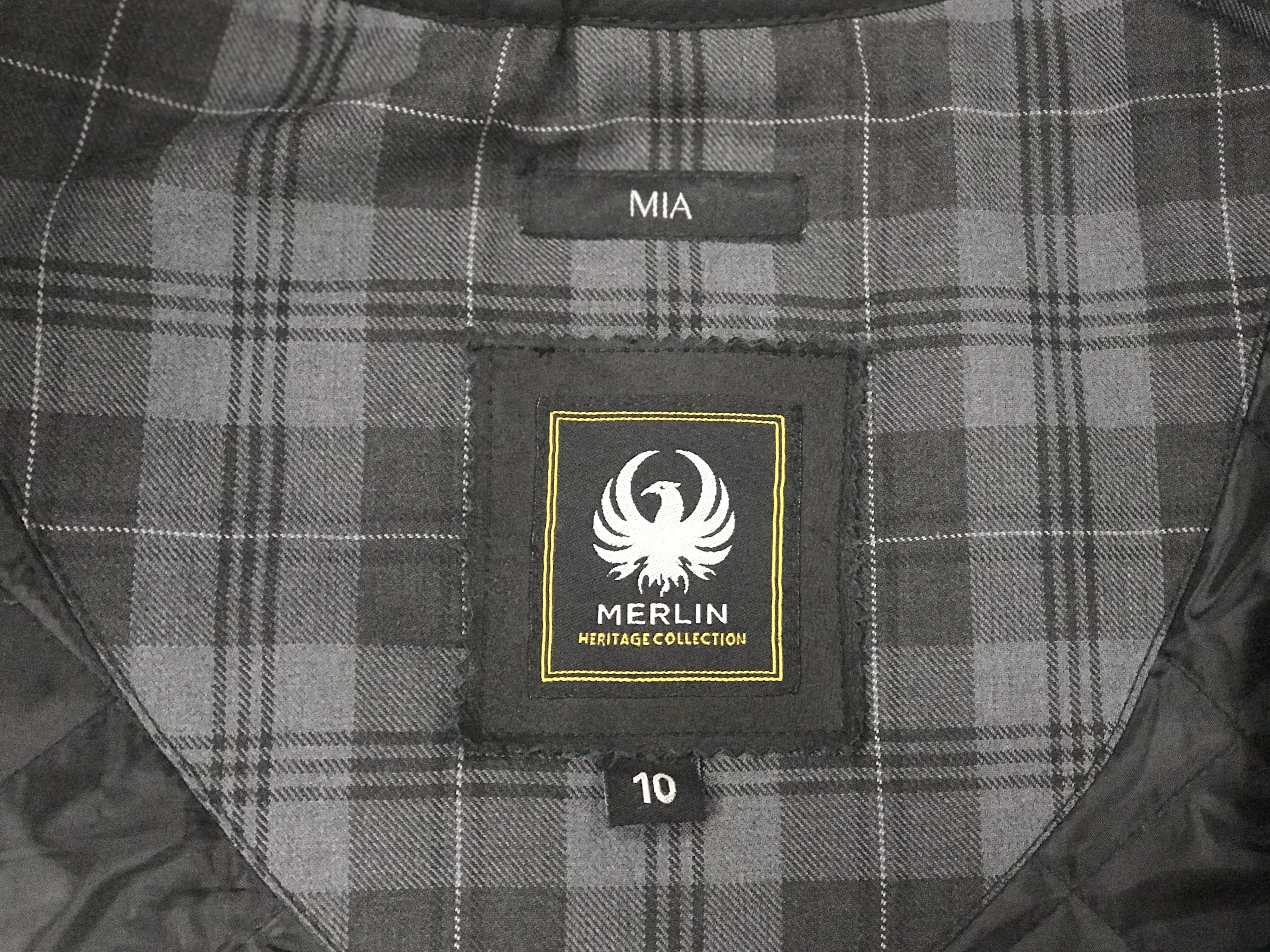 The inside with logo and size of a Merlin Mia jacket