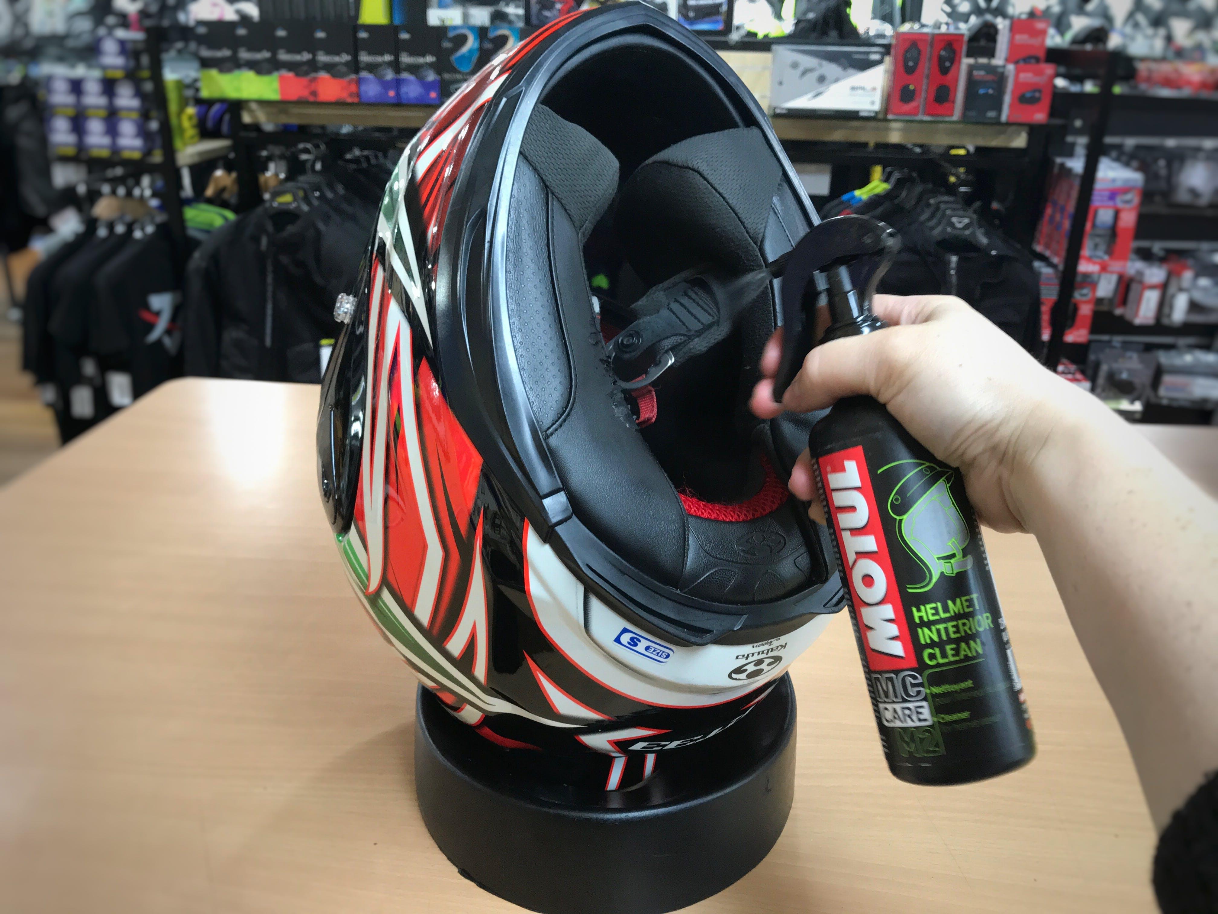 Motul Helmet Interior Clean