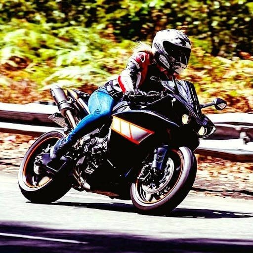 tamara out on her R1